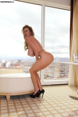 naked Kelly Madison in high heels