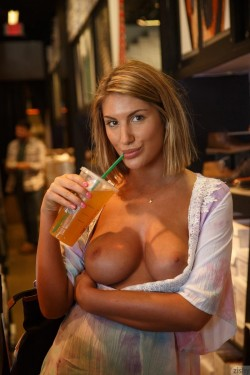 August Ames shows her big boobs in public